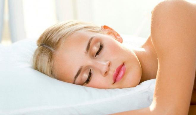 Por qué nunca debes dormir maquillada